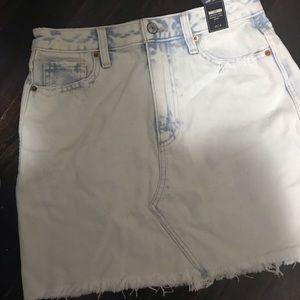 BNWT Abercrombie & Fitch Zoe Denim Skirt Size 27